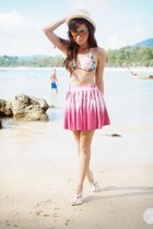 Turquoise-blue-sunpocket-sunglasses-hot-pink-romwe-skirt-white-roxy-swimwear