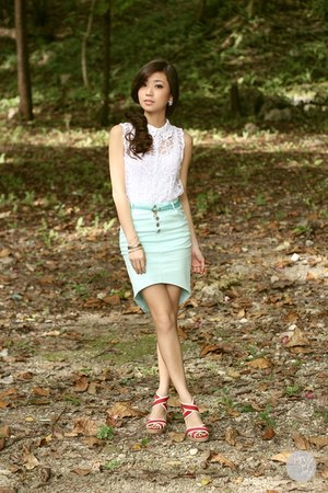 aquamarine WAGW skirt - red j&amp;m wedges - silver Cartier bracelet