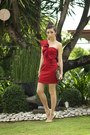 Red-windsor-dress-gold-michael-antonio-heels