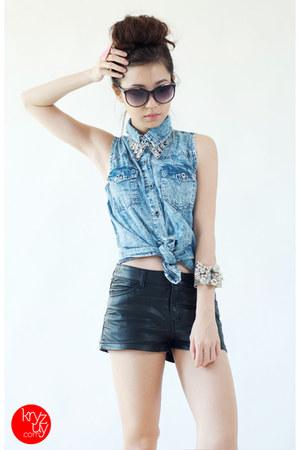 sky blue Yesstyle top - black H&M shorts - bubble gum WAGW ring