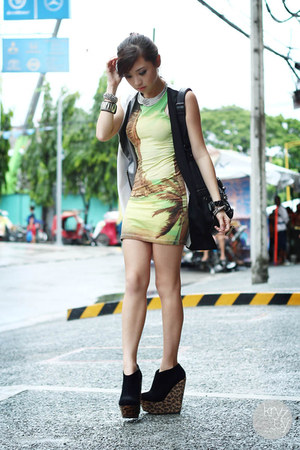 black Alexander McQueen bag - lime green Motel Rocks dress - white romwe vest