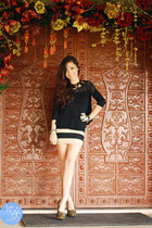 light brown So FAB heels - black kashieca top