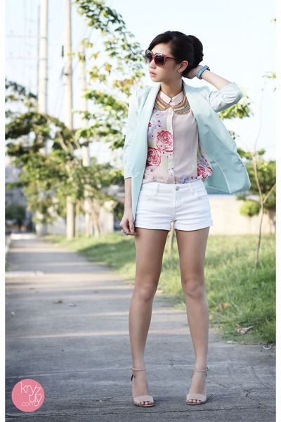 aquamarine lemon online blazer - white f&x shorts - beige Reecn top