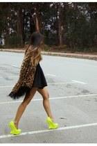 chartreuse Privileged shoes heels - dark brown Nasty Gal cardigan
