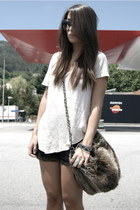 dark brown faux fur Zara bag - black lace Wholesale-Dress shorts - cream golden