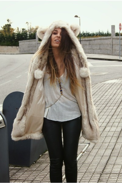 beige bear ear asos coat - deep purple harness Lo&amp;Chlo necklace