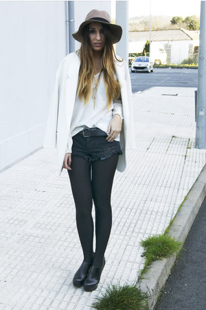 white Zara blazer - black One Teaspoon shorts