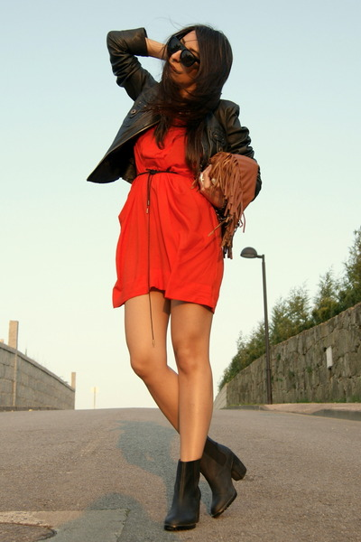 black H&M boots - carrot orange Zara dress - tawny fringe BLANCO bag