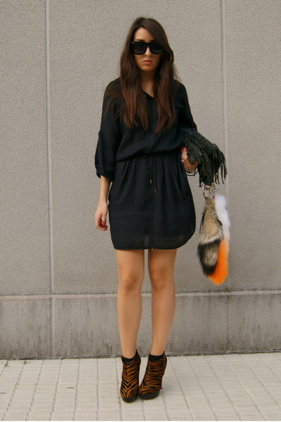 tawny zebra asos boots - black Zara dress