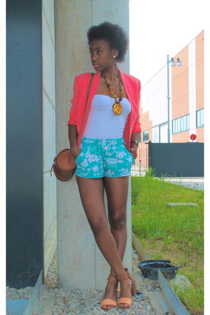 tawny Zara bag - light blue H&M shorts - salmon Kiabi vest - white Bershka top