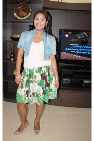 Max jacket - light peach Forever 21 blouse - green Forever 21 skirt - nude Nine