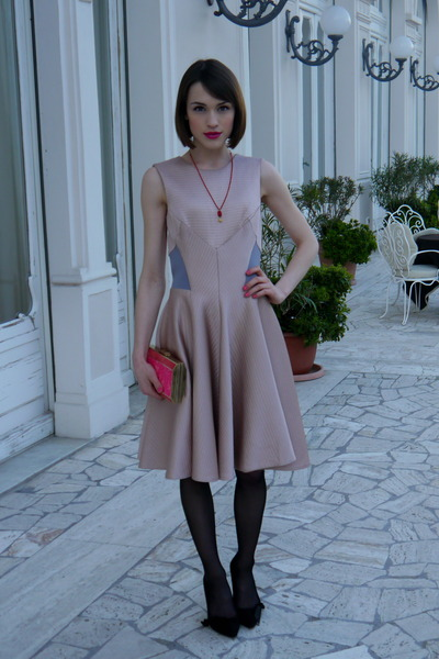 Temperley London dress - Anya Hindmarch bag - Anne Bowes Jewellery necklace