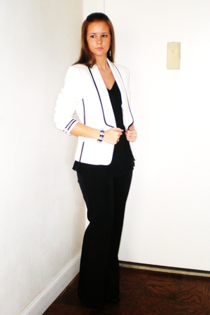 white LaRok blazer - black Express top - black Mexx pants