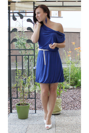 blue H&M dress - white H&M belt - white noname heels - blue H&M earrings