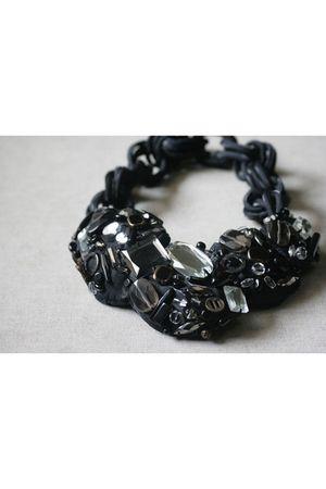 black Labyrinth accessories