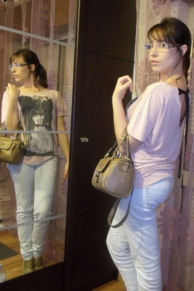 light pink Mango t-shirt - tan Modalfa shoes - periwinkle Zara jeans