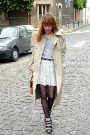 silver H&M t-shirt - black ANDRE shoes - black H&M tights - beige H&M Trend coat