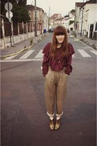 beige vintage pants - gold boots - beige Chanel bag - purple H&M Trend blouse