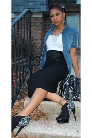 black DIY boots - blue denim jacket jacket - off white cotton tank Forever 21 sh