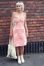 Coral-vintage-dress-white-ravijour-bag-ivory-tiger-bag