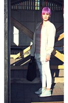 white camdentown leggings - off white vintage Luhta coat