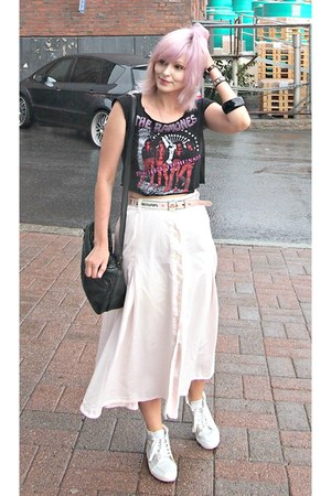black diy crop top Sourpuss top - light pink maxi skirt vintage shirt