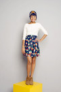 Cream-chic-thrift-blouse-navy-floral-print-renner-skirt