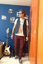 navy classy Zara vest - crimson skinny Bershka jeans