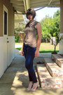 Navy-zipper-skinny-gap-jeans-beige-suede-sandal-anna-de-valle-pumps