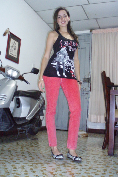 hot pink jeggins Eva Castillo jeans - dark gray con estampado Zenana blouse
