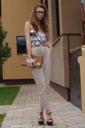 beige Zara pants - brown custom made top - brown ISLO purse - brown Il Paso shoe