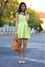 Chartreuse-atelier-funditza-roz-dress-carrot-orange-zara-necklace
