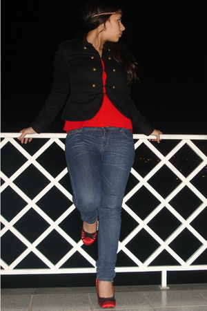 red sweater - black H&M jacket - black H&M accessories - blue Zara jeans - red S
