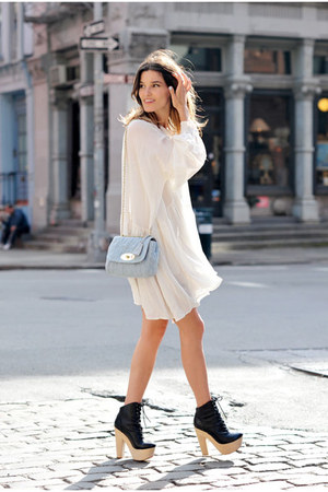 white dress - periwinkle purse - black heels