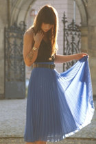 blue blue skirt - dark brown belt - black top