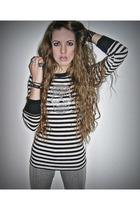 black Forever 21 shirt - silver Claires leggings - black vintage bracelet - silv