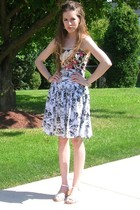 Charlotte Russe top - Kommotion NY skirt - Natualizer shoes - vintage earrings -