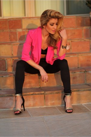hot pink Gypsy Junkies blazer - black Guess heels