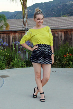 navy Fossil shorts - yellow Fossil top - black Urban Outfitters sandals