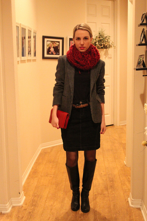 red handmade scarf - black American Apparel shirt - black Marshalls skirt - gray