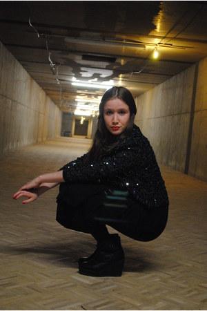 black maxi dress H&M dress - dark green thrifted vintage blazer - black Monki he