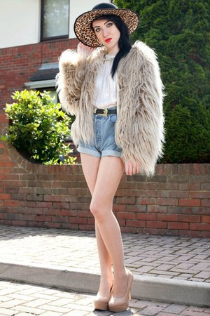 faux fur Zara jacket - leopard print asoscom hat - vintage Levis shorts