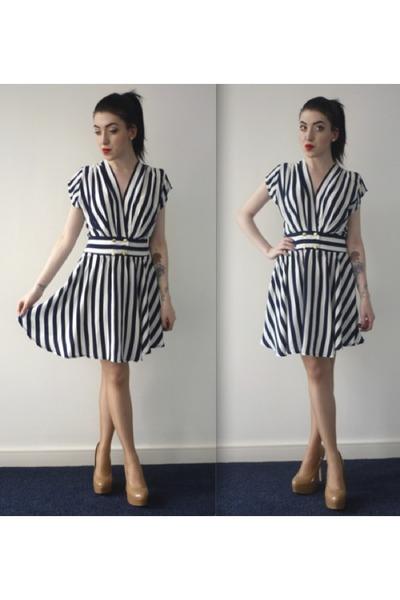 striped Motel Rocks dress - nude new look heels