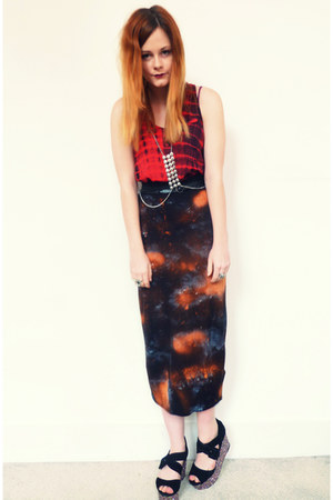 black galaxy DIY skirt - red tie dye Urban Outfitters top