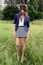 Blue-blazer-white-t-shirt-blue-skirt-white-purse-gold-accessories