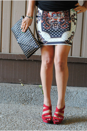 chicnova skirt - hey stud Libi & Lola bag - lock and key Libi & Lola bracelet