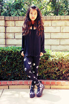 black yin yang H&M leggings - black studded foreign exchange blouse