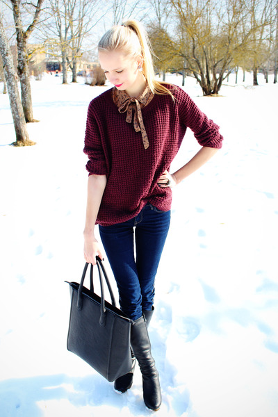 crimson New Yorker sweater - navy Zara jeans - black H&M bag