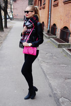 Biker jacket + hot pink bag