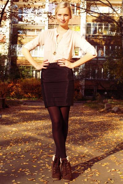 dark brown Primark boots - black H&M tights - black New Yorker skirt